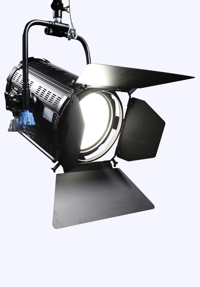 2000S LED SPOT LIGHT FOR BROADCASTING
